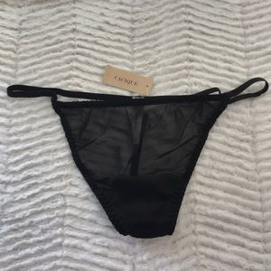 NWT 18/20 Cacique Thongs